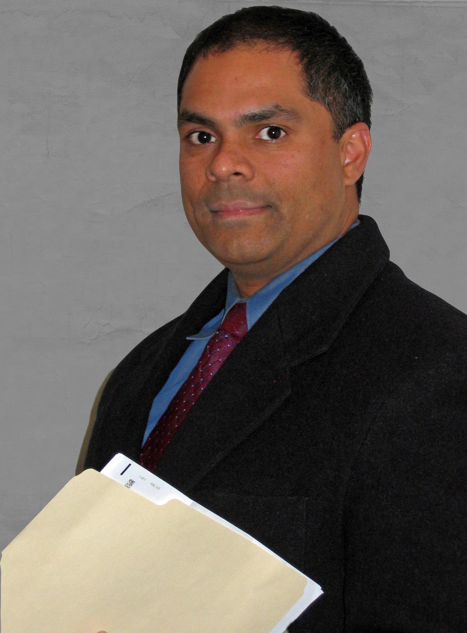 Dr. Steven Munevar